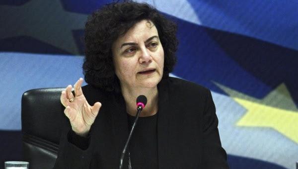 """La viceministra detalló que se separa del cargo, porque se opone al acuerdo alcanzado recientemente entre el Gobierno heleno y los acreedores europeos, que somete a Grecia a una serie de privatizaciones a cambio del """"rescate""""."""
