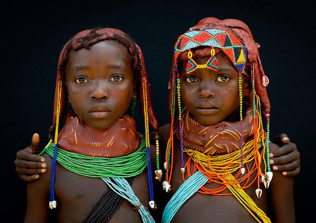 http://chicquero.files.wordpress.com/2012/03/international-womens-day-chicquero-angola.jpg?w=800