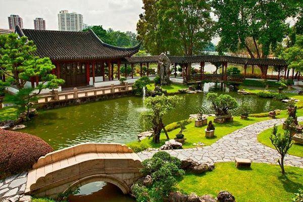 elementos de um jardim japonês