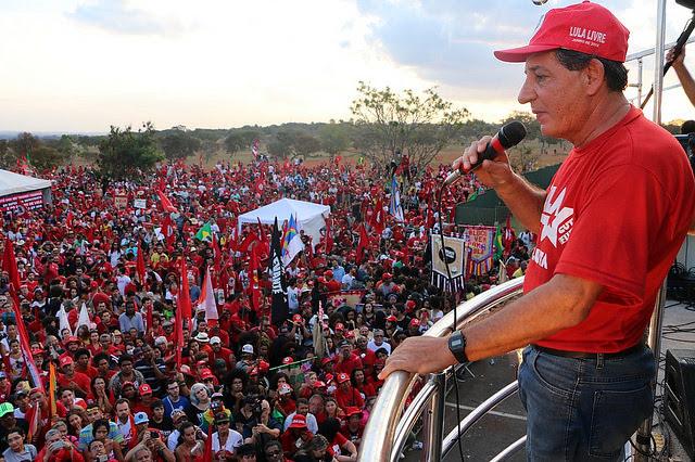 El dirigente del MST Jaime Amorim en acto público realizado después de la inscripción de la candidatura de Lula, en Brasília  - Créditos: Adilvane Spezia