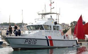 Embarcation de la gendarmerie maritime, ici dans le port de Saint-Malo.