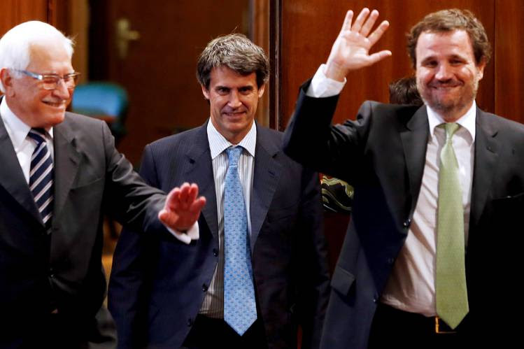 Indec director Jorge Todesca, Finance Minister Alfonso Prat-Gay and policy secretary Pedro Lacoste