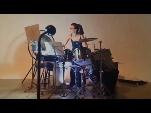 Gómez  - Resolana (Diana Montoya, percusión)