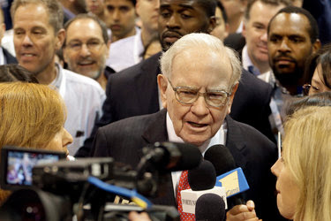 """Warren E. Buffett, the chief of Berkshire Hathaway, said in a letter released on Monday, """"I have paid federal income tax every year since 1944."""""""