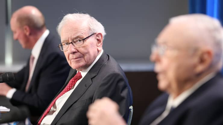 Warren Buffett at the Berkshire Hathaway annual meeting
