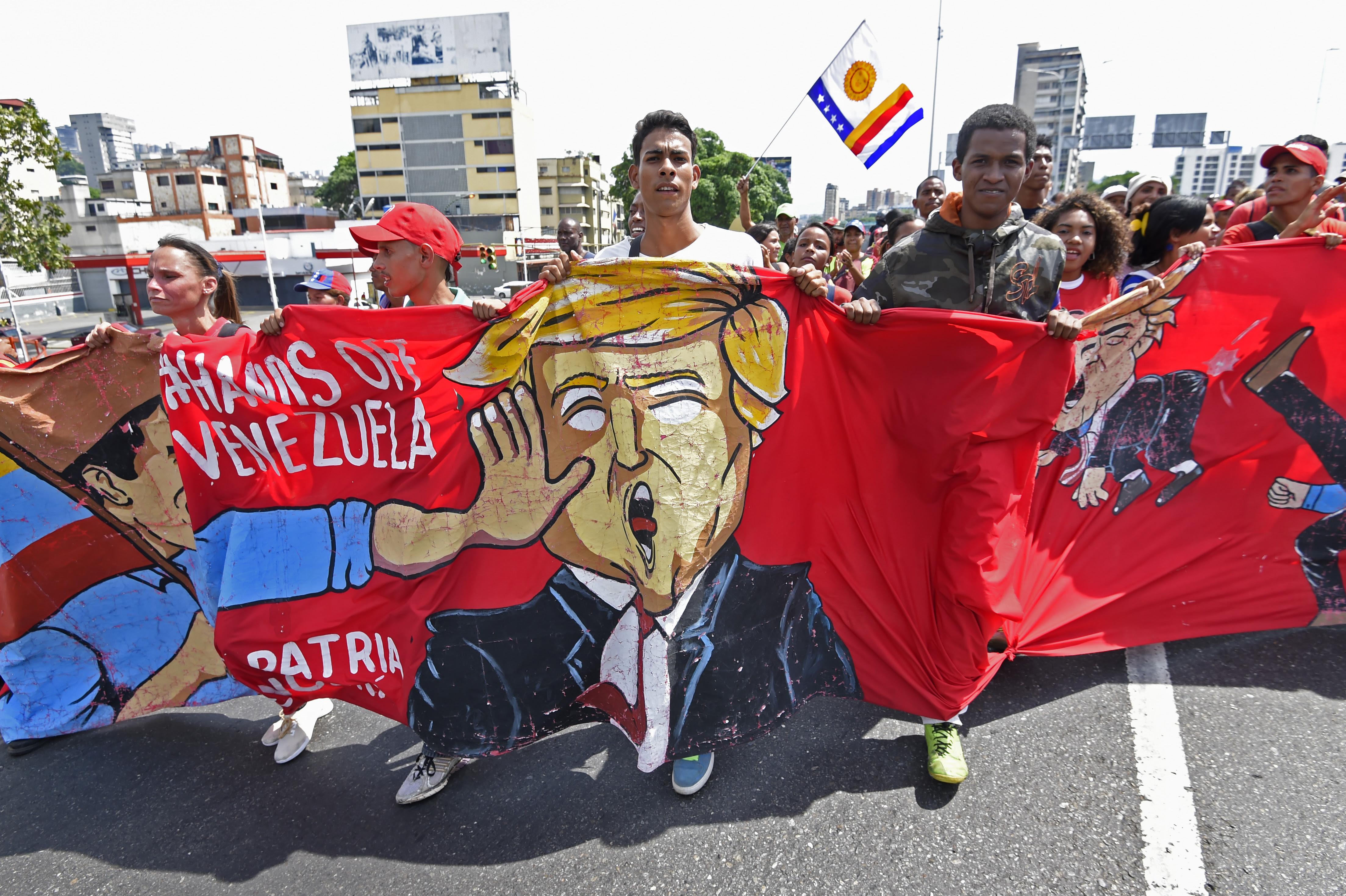 El estudio señala el predominio de guerras híbridas en territorios ricos en petróleo, como Venezuela - Créditos: Juan Barreto/ AFP