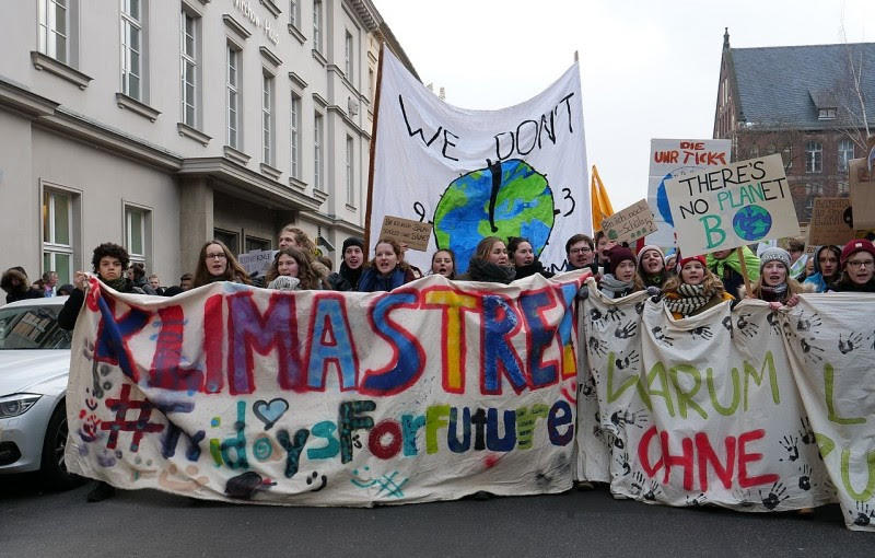 <p>Cabecera de la manifestación por el clima del 25 de enero de 2019 en Berlín.</p>