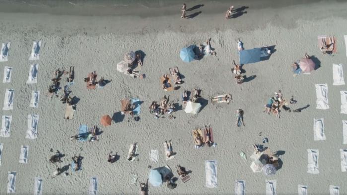 """VIDEO. """"L'horreur ne prend pas de vacances"""": la campagne choc d'Emmaüs sur les migrants en Méditerranée"""