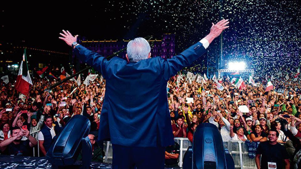 La investidura de Andrés Manuel López Obrador, despojada de viejos rituales de la política mexicana.