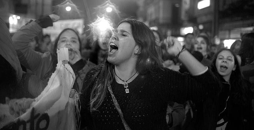 Marcha por los mártires estudiantiles, el viernes, en 18 de Julio. Foto: Santiago Mazzarovich