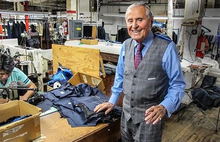 Мартину Гринфилду 88 лет, но по-прежнему работает 6 дней в неделю на своей швейной фабрике в нью-йоркском Бруклине.