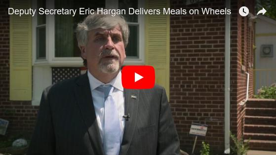 Deputy Secretary Eric Hargan delvers meals on wheels