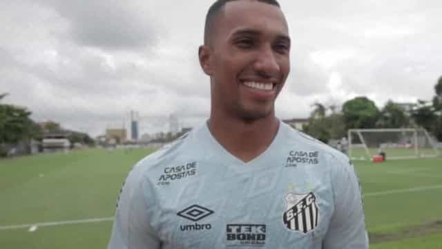 Lucas Braga se inspira em Soteldo para liderar jovem ataque do Santos