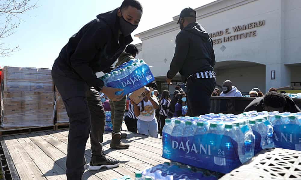 Texans rally to help neighbors as officials are caught cold