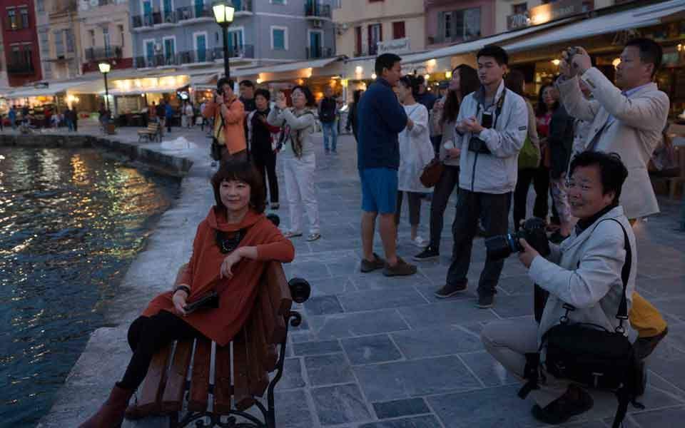 hania_chinese_tourists_web