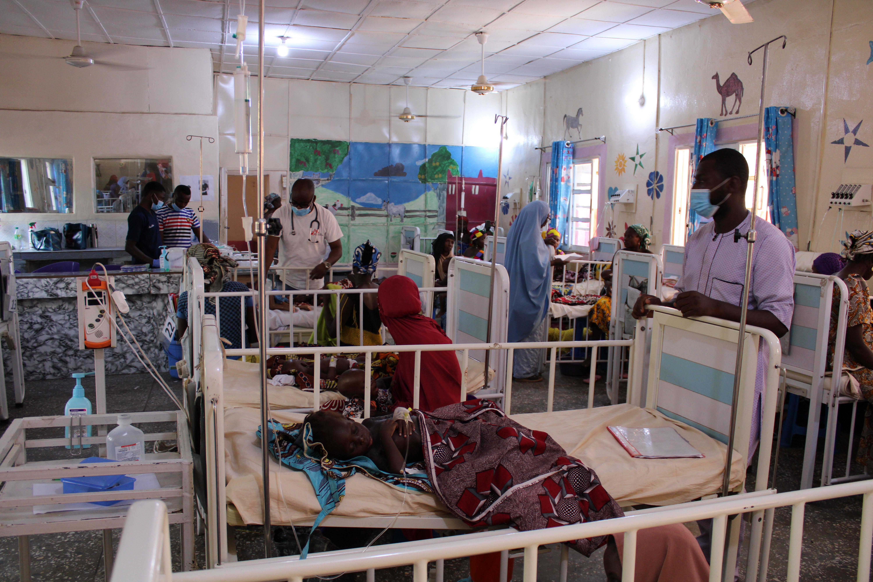 Área para pacientes pediátricos con desnutrición severa en el Hospital General de Anka. Créditos: MSF/Ghada Saafan