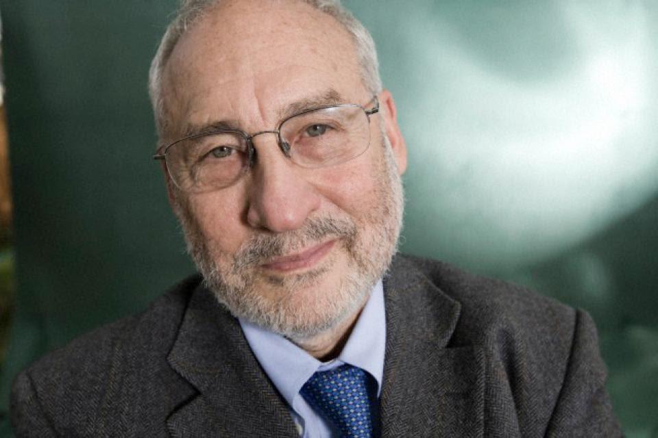 """Stiglitz alertó que """"muchos países no podrán evitar el default""""."""
