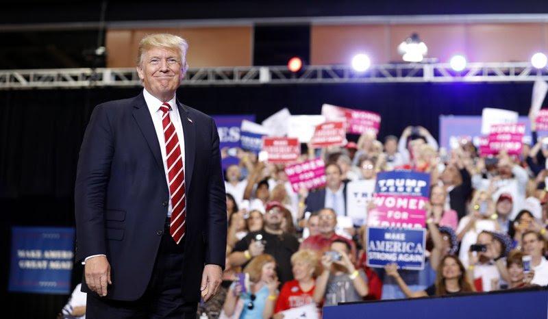 Trump Wows Crowd At Arizona Rally