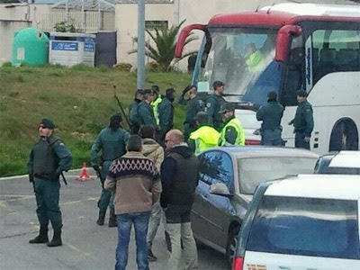 El 22M denuncia que la Guardia Civil ha retenido unos 100 autobuses en Madrid.