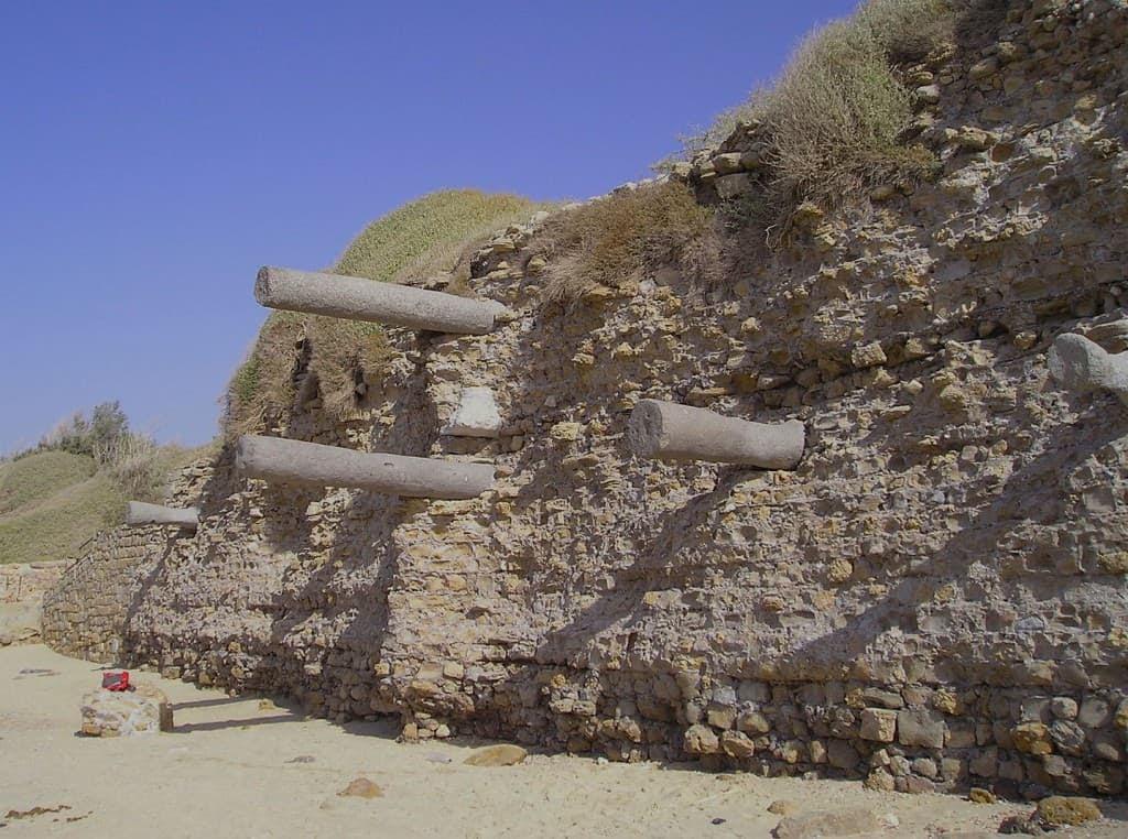 Restos de la muralla de Ashkelon