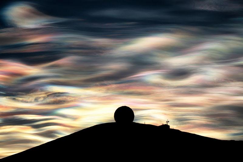 http://twistedsifter.com/2013/09/iridescent-antarctica/