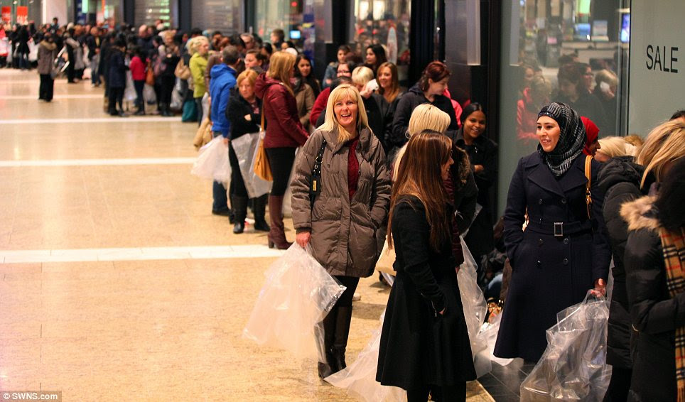 Keen: Over 1,000 shoppers were reported to  be queuing  in the Silverburn shopping centre in Glasgow