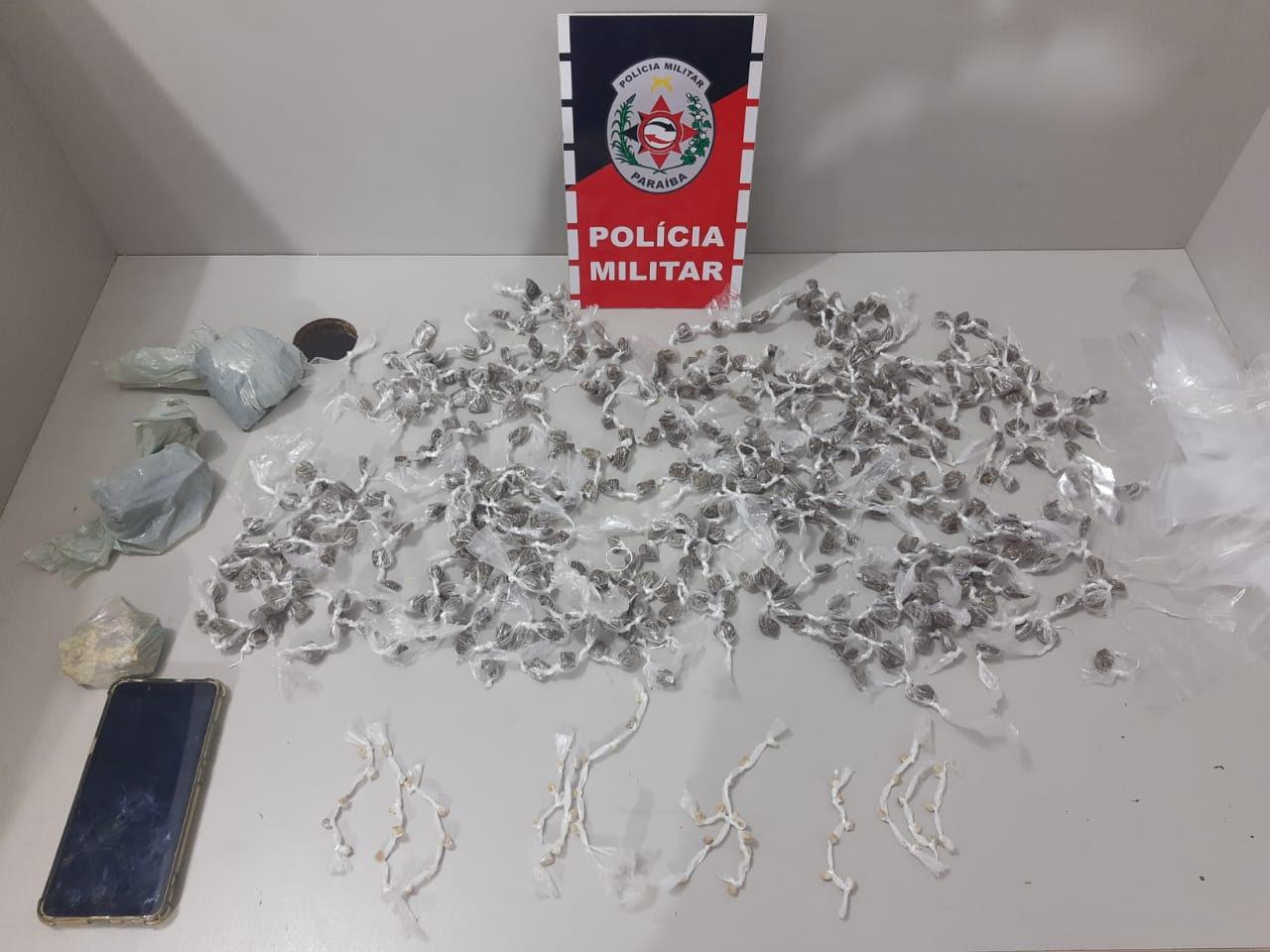 Paraíba Online • Polícia prende dupla por roubo e porte ilegal de arma e drogas na PB