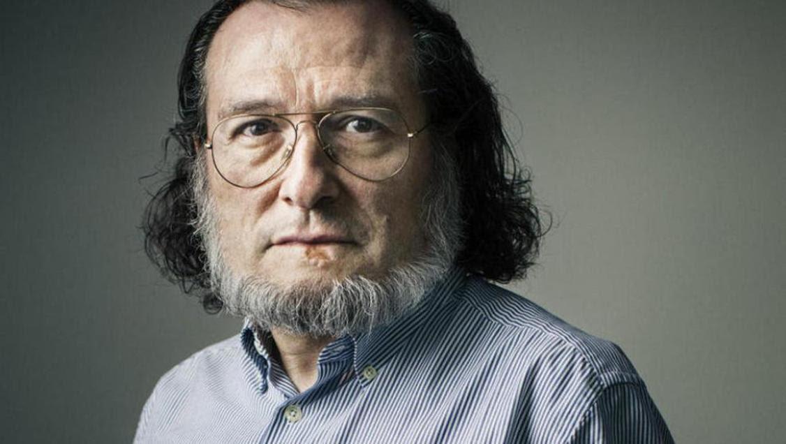 Santiago Niño Becerra. // Los libros del lince.