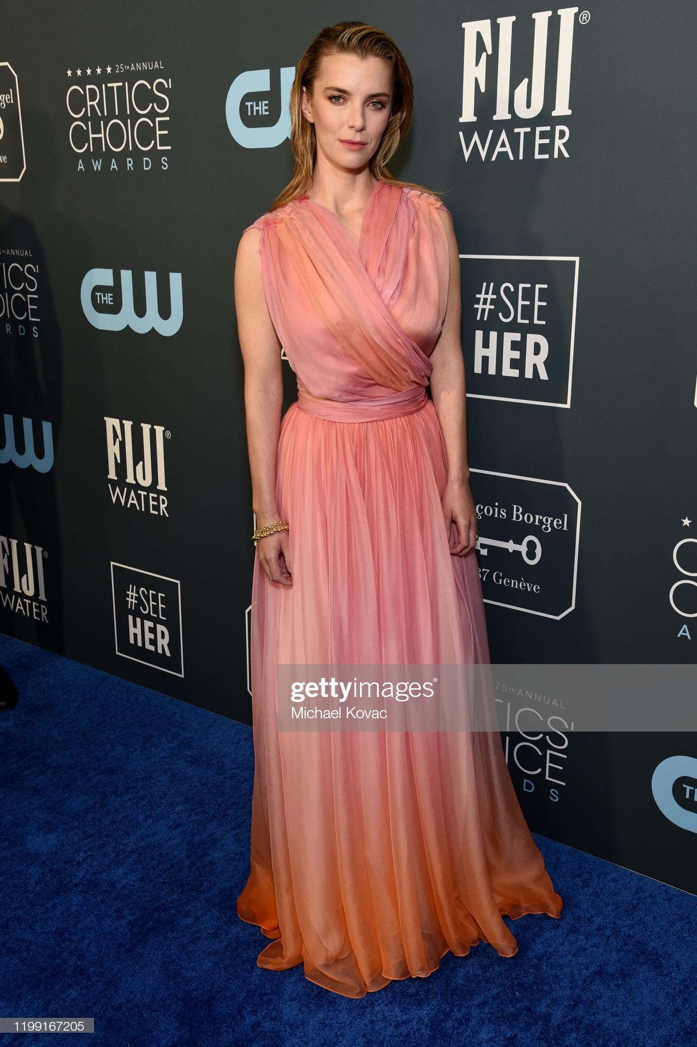 d4c11c4d 9333 418c b2c2 f1ea22f6a186 - Jennifer Lopez y Emily,entre las celebrities que apostaron por Jimmy Choo en los Critics' Choice Awards