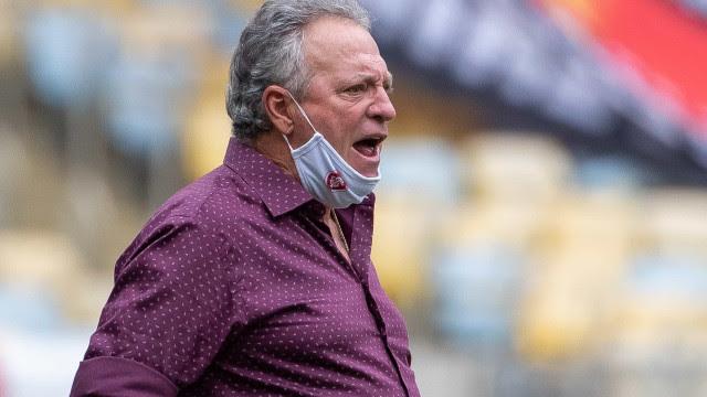 Abel Braga confirma saída do Inter, revela choro e critica arbitragem
