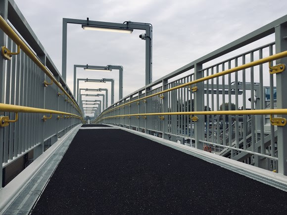 New step-free footbridge opens in Tottenham making access to services and the Lee Valley easier