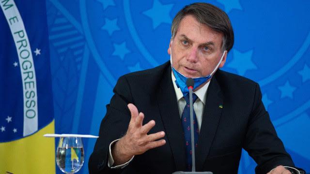Bolsonaro se irrita com plano de enxugamento e ameaça demitir presidente do BB