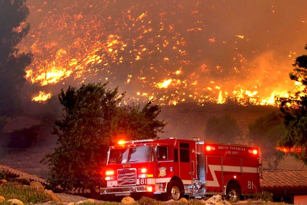 picture showing big California fire