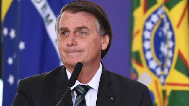 Bolsonaro sanciona lei que regulamenta repasses do Fundeb a partir de 2021