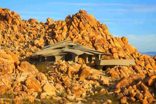 Immagine  - Ecco 10 esempi che mostrano come costruire delle case sulle rocce