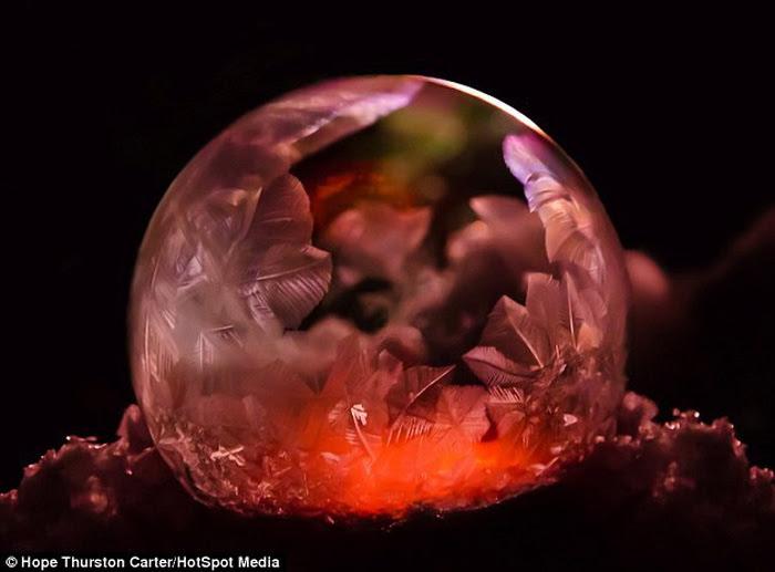 Mê mẩn những quả bong bóng xà phòng đóng băng - Ảnh 9.