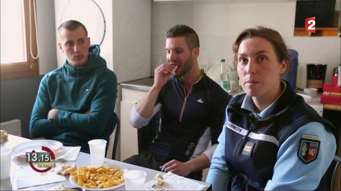 """VIDEO. """"13h15"""". """"Maintenant, l'uniforme devient une cible"""", affirme une jeune lieutenante de gendarmerie"""