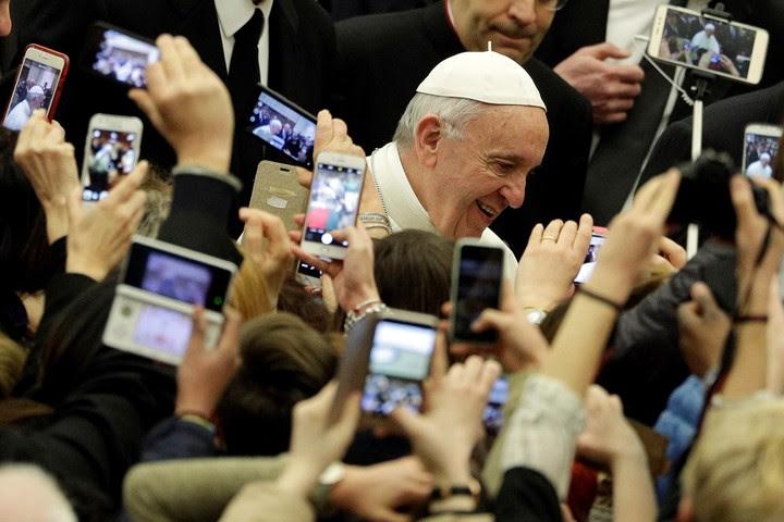 El Papa ha realizado un profundo cambio en las estructuras de los medios vaticanos (AP).