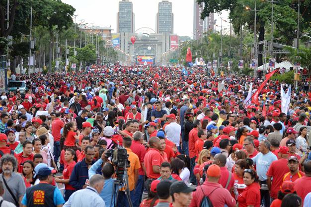 Cierre de campaña del chavismo en la Av. Bolívar