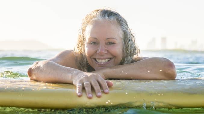 Desde que se mudou para Mazatlán, Janet diz que o surf se tornou parte de sua vida diária.