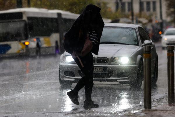 ΕΜΥ: Έκτακτο δελτίο επιδείνωσης του καιρού - Έρχονται βροχές και χαλαζοπτώσεις