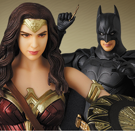 MAFEX BATMAN AND WONDER WOMAN FIGURES