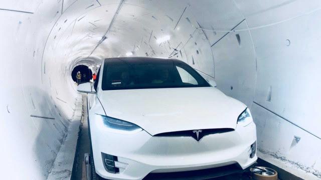 Tesla inicia recolhimento de mais de 9 mil carros Model X