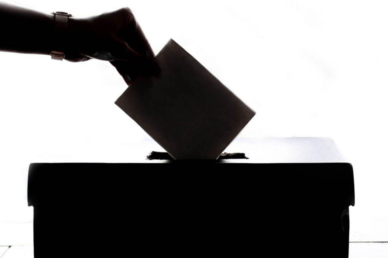 elecciones-presidenciales-2022-baraja-candidatos-urna-voto-cesar-caballero-1170x780
