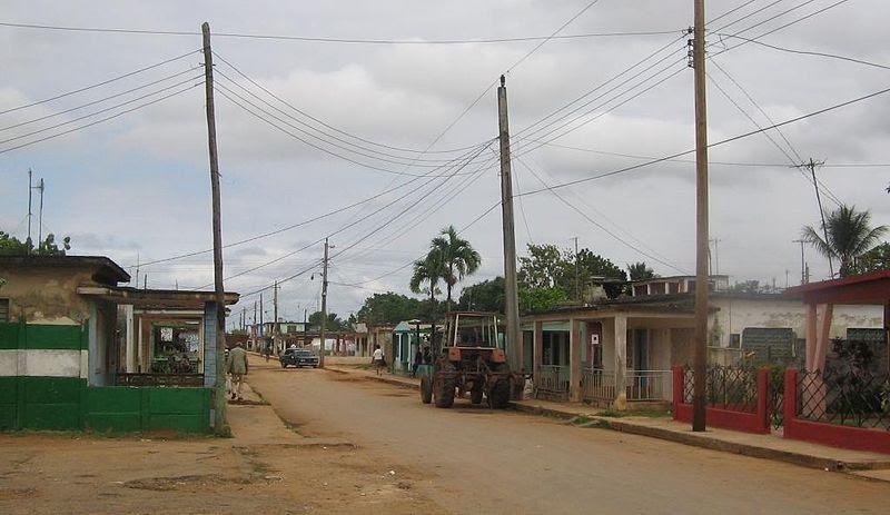 File:Perico (Cuba - rural road).jpg