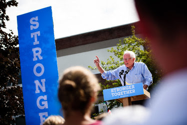 Senator Bernie Sanders campaigned on Monday for Hillary Clinton in Lebanon, N.H.
