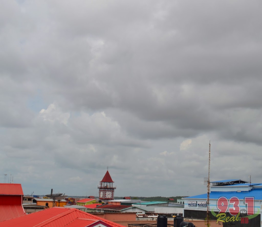 Overcast conditions prevailed over this Stabroek Market view as the suns heat sweltered during the morning. The temperature along the Coastland has been in the highs in recent times but there are signs of rains as the holiday draw to a close.