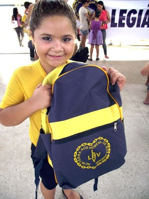 Campanha da LBV ajuda crianças carentes com doações de material escolar (Foto: Divulgação/LBV)