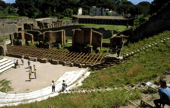 pompei-grand-theatre