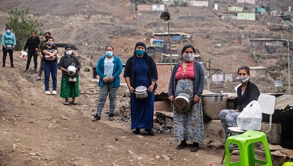 Bárcenas enfatizó en la necesidad de analizar la brecha que afecta a las mujeres que abandonaron el mercado laboral como consecuencia de la Covid-19, para lo cual propuso extender el ingreso básico de emergencia. Foto: Radio Bayamo.